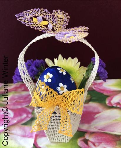 Osterei im Spitzenkörbchen / Easter Egg in Lace Basket