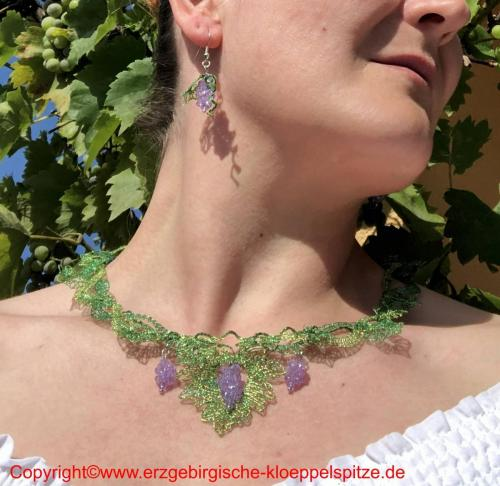 Weinlaub Schmuck mit Perlentrauben / Vine Leaves Jewelry with Bead Grapes